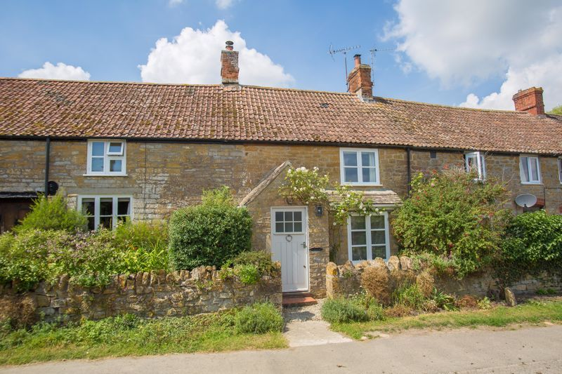 2 bed cottage for sale in Milton, Martock  - Property Image 1