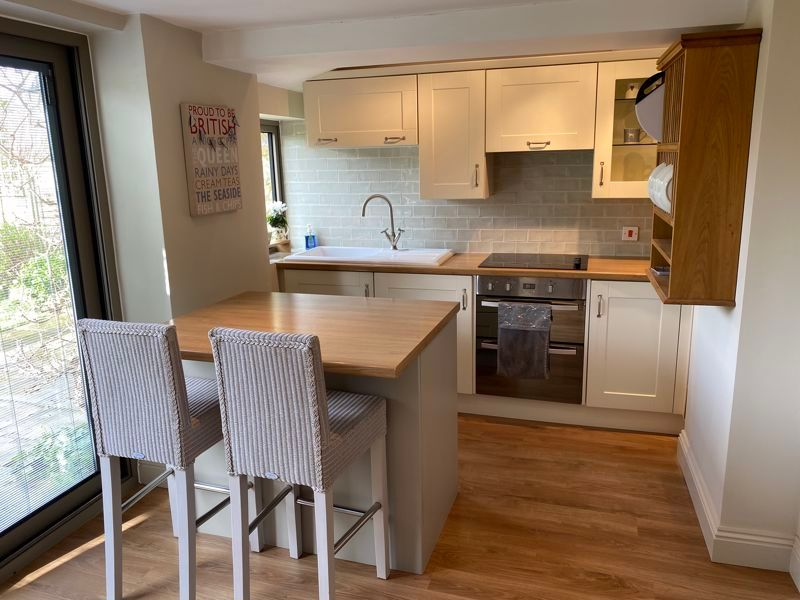 2 bed cottage for sale in Milton, Martock  - Property Image 3