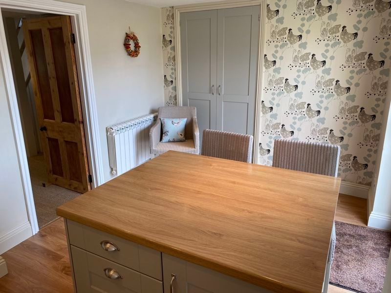 2 bed cottage for sale in Milton, Martock  - Property Image 4