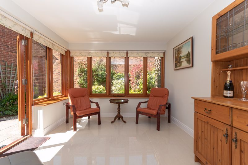 3 bed house for sale in Chapel Field, South Petherton  - Property Image 4