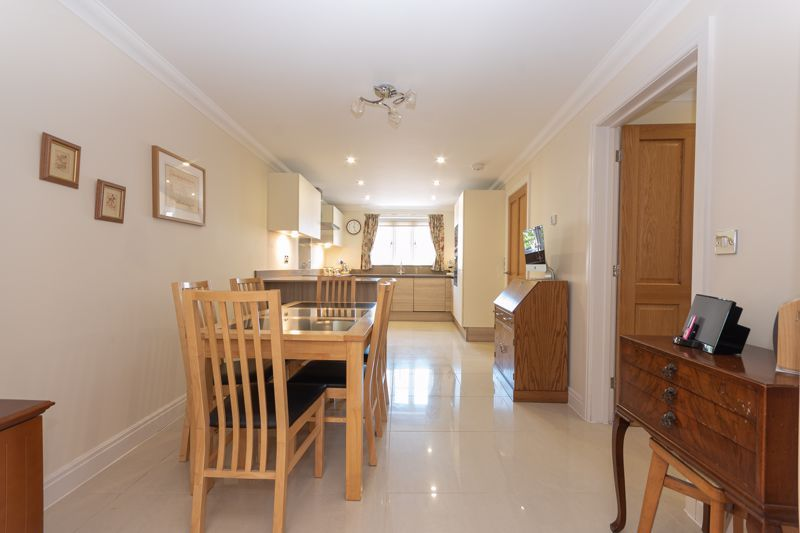 3 bed house for sale in Chapel Field, South Petherton  - Property Image 5
