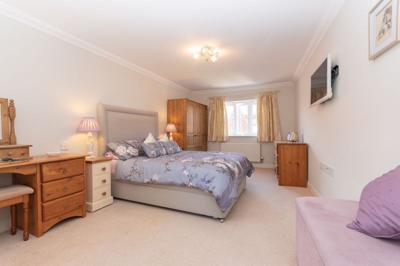 3 bed house for sale in Chapel Field, South Petherton  - Property Image 6