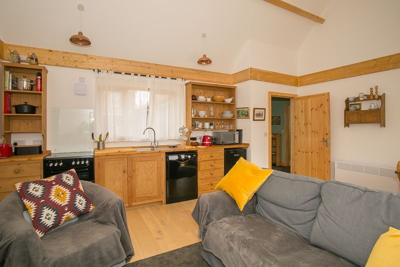 1 bed bungalow to rent in South Petherton  - Property Image 2