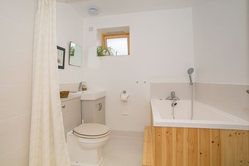 1 bed bungalow to rent in South Petherton  - Property Image 11
