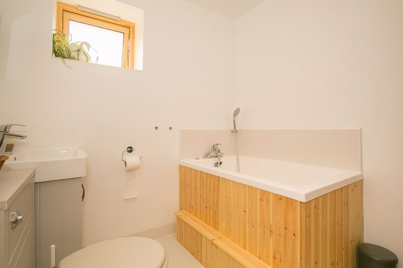 1 bed bungalow to rent in South Petherton  - Property Image 4