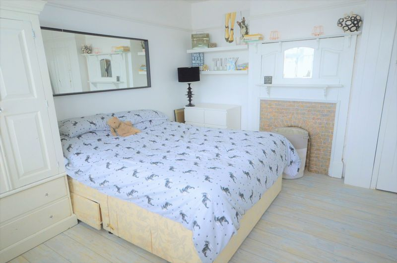 4 bed house for sale in Wraxhill Road, Yeovil  - Property Image 11