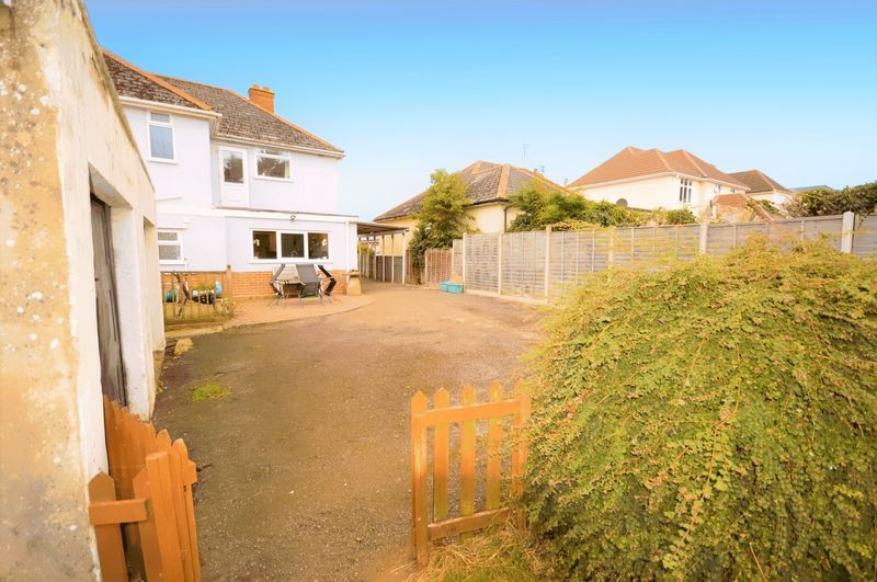 4 bed house for sale in Wraxhill Road, Yeovil  - Property Image 16