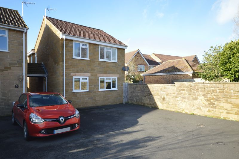 3 bed house to rent in Martock