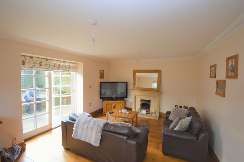 3 bed house to rent in Stoke-Sub-Hamdon  - Property Image 2