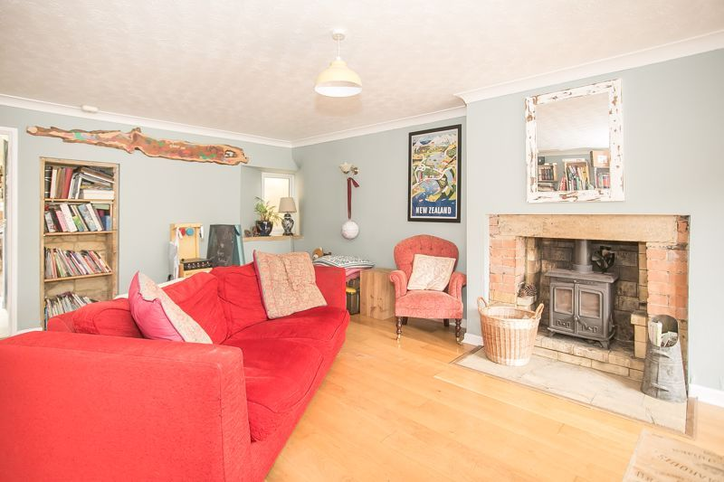 3 bed house for sale in Montacute  - Property Image 3