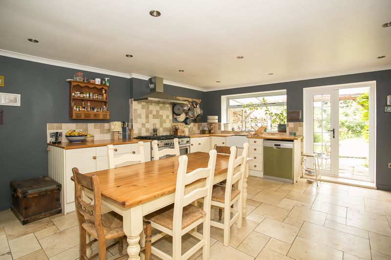 3 bed house for sale in Montacute  - Property Image 10