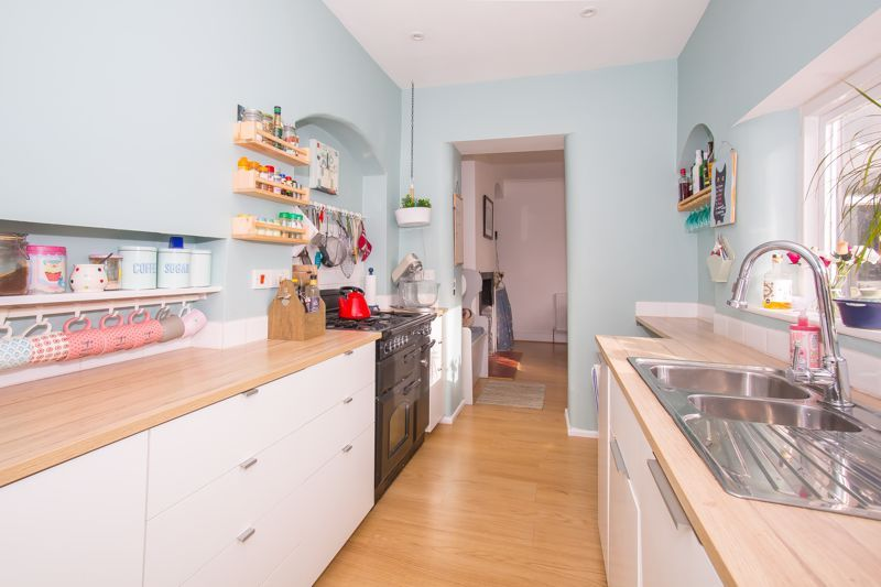 4 bed house for sale in Martock, Somerset  - Property Image 4