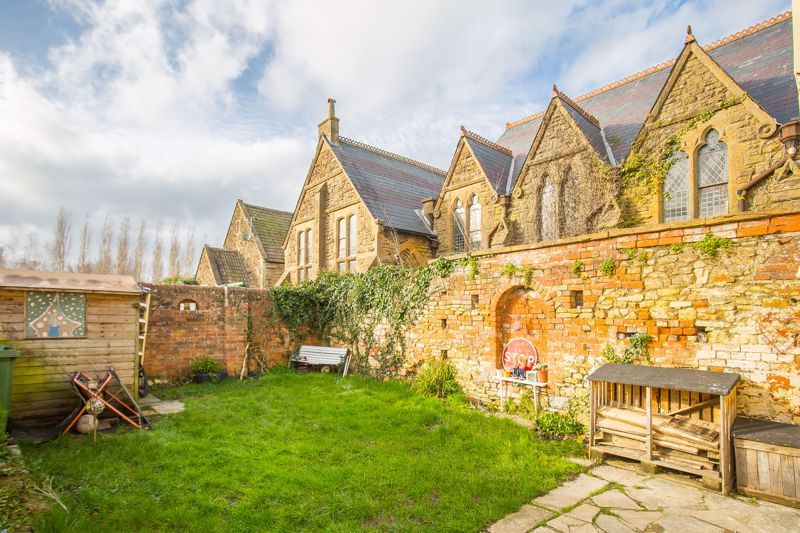 4 bed house for sale in Martock, Somerset  - Property Image 8