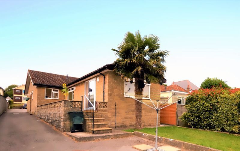 3 bed bungalow for sale in Yeovil, BA21