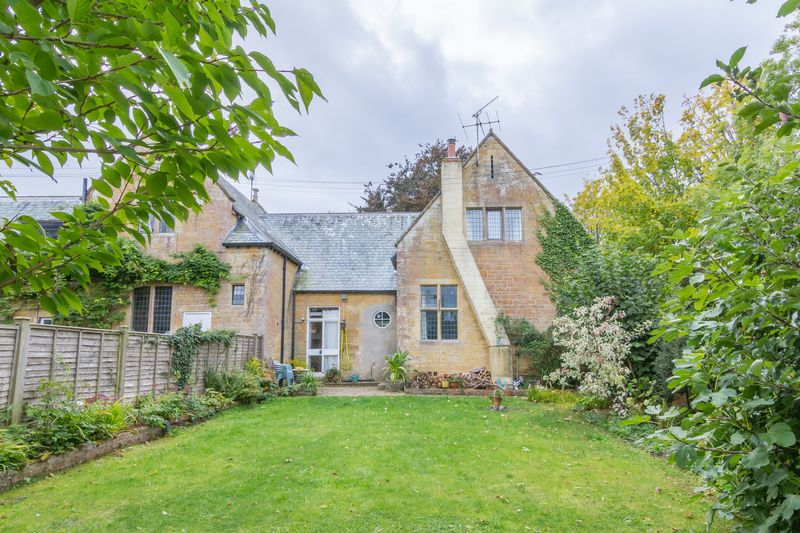 3 bed house for sale in Merriott  - Property Image 2