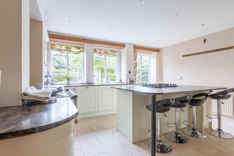 3 bed house for sale in Merriott  - Property Image 11