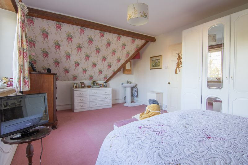3 bed house for sale in Merriott  - Property Image 18