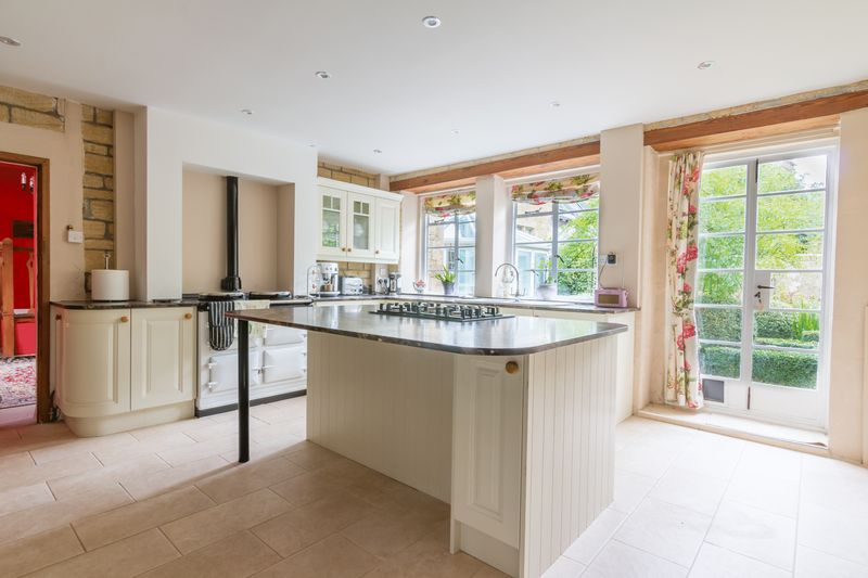 3 bed house for sale in Merriott  - Property Image 3