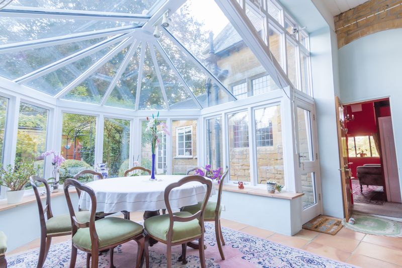 3 bed house for sale in Merriott  - Property Image 6