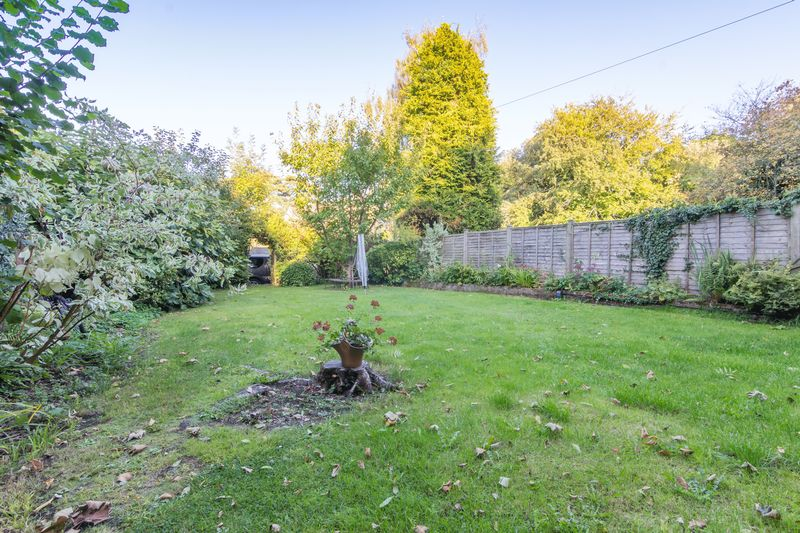 3 bed house for sale in Merriott  - Property Image 9