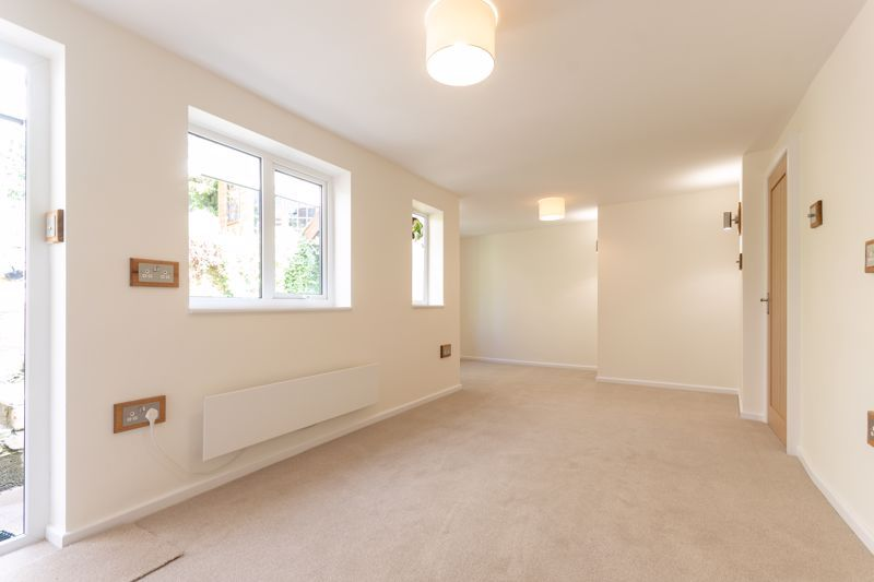 2 bed cottage for sale in Chiselborough  - Property Image 15
