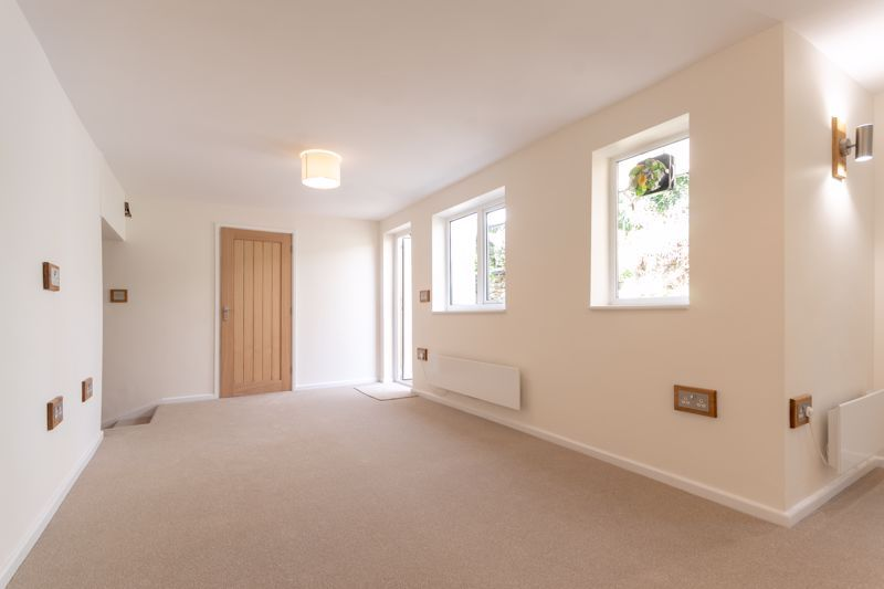 2 bed cottage for sale in Chiselborough  - Property Image 3