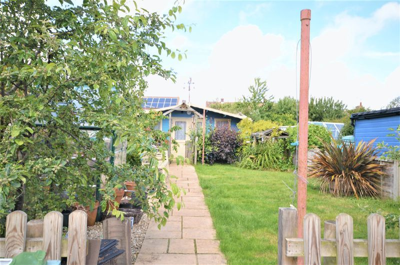 3 bed house for sale in Yeovil  - Property Image 15