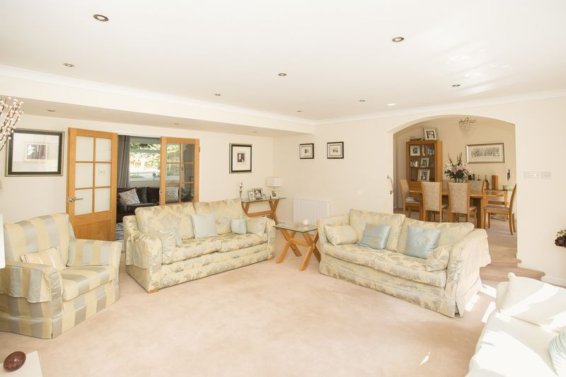 6 bed house for sale in Southwoods, Yeovil  - Property Image 11