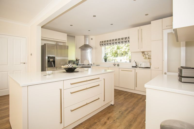 6 bed house for sale in Southwoods, Yeovil  - Property Image 13