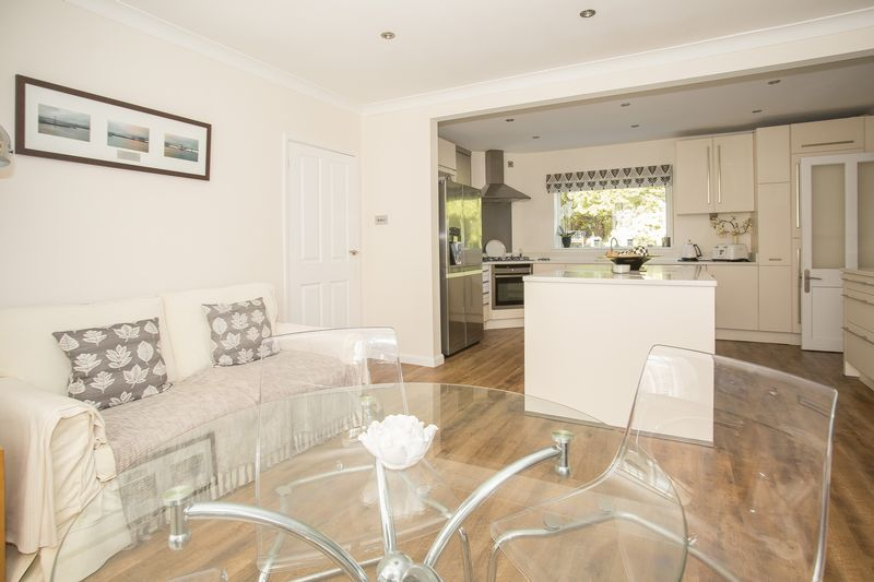 6 bed house for sale in Southwoods, Yeovil  - Property Image 4