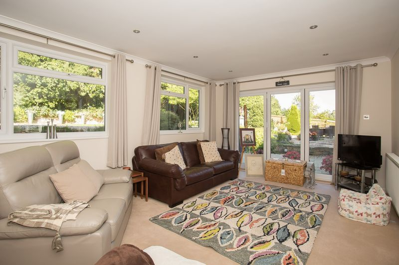 6 bed house for sale in Southwoods, Yeovil  - Property Image 5