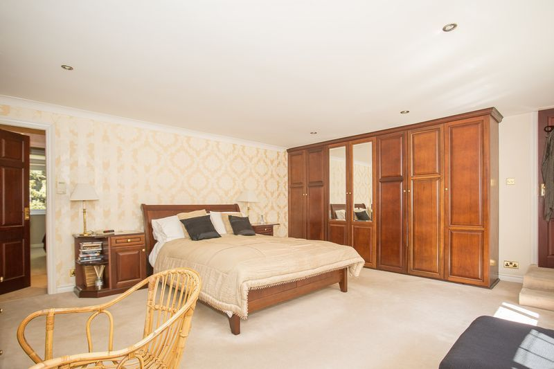 6 bed house for sale in Southwoods, Yeovil  - Property Image 6