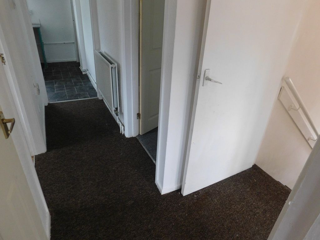 2 bed flat to rent in Nant Hir, Glynneath, Neath 8