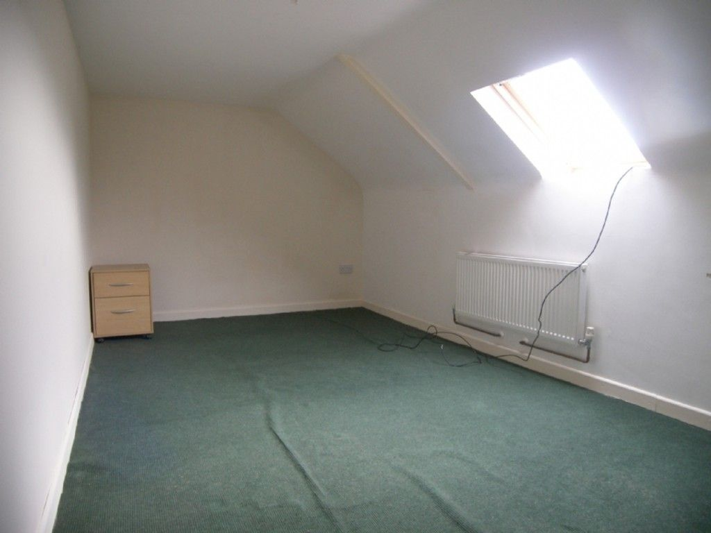 2 bed flat to rent in Hebron Road, Clydach, Swansea 5
