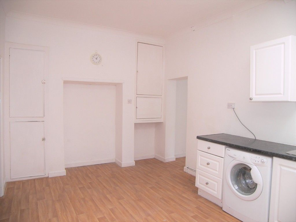 3 bed house to rent in Thomas Terrace, Resolven 9