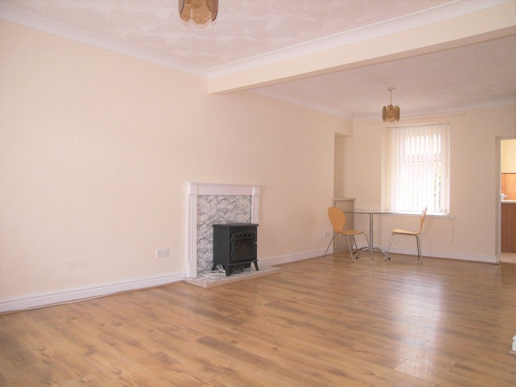 2 bed house for sale in Neath Road, Plasmarl  - Property Image 2