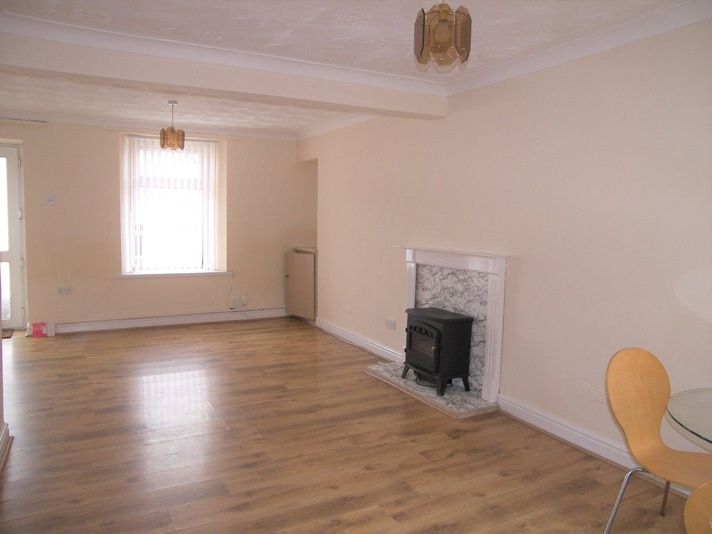 2 bed house for sale in Neath Road, Plasmarl 4