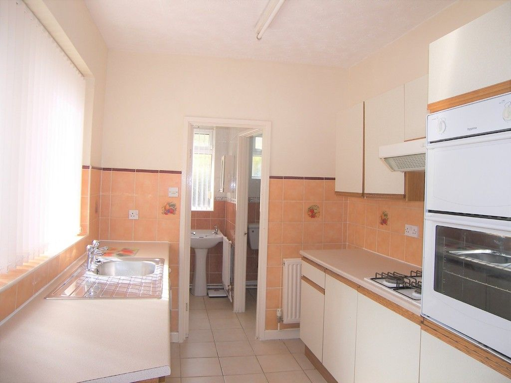 2 bed house for sale in Neath Road, Plasmarl 5