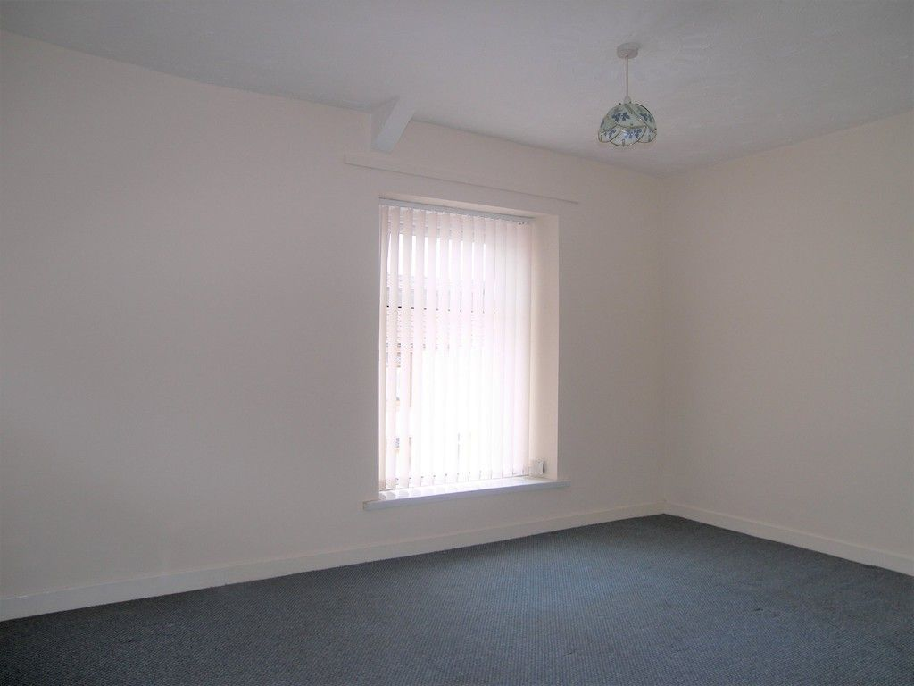 2 bed house for sale in Neath Road, Plasmarl 7
