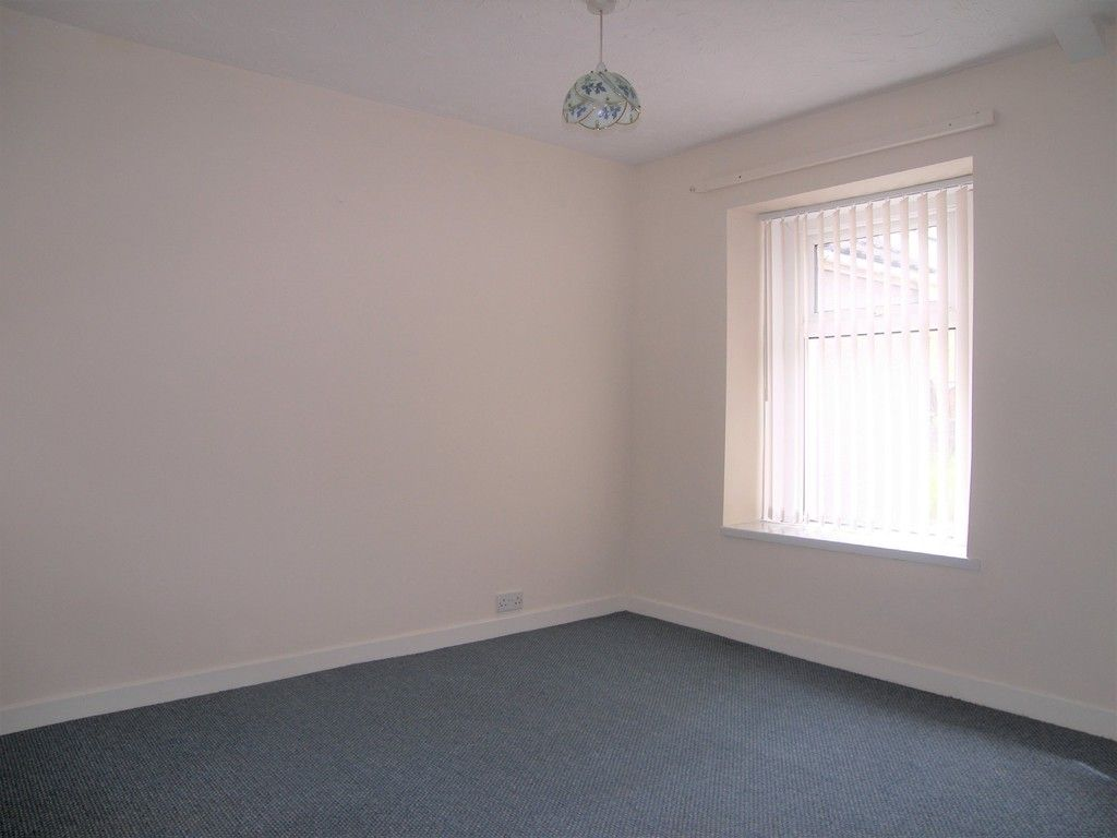 2 bed house for sale in Neath Road, Plasmarl 8