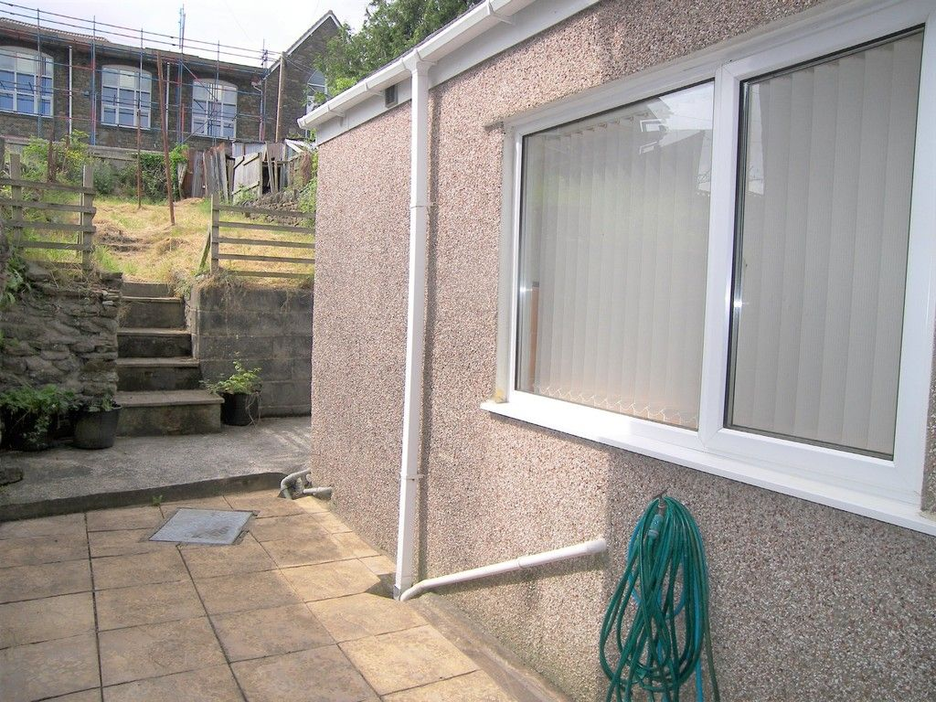 2 bed house for sale in Neath Road, Plasmarl 9