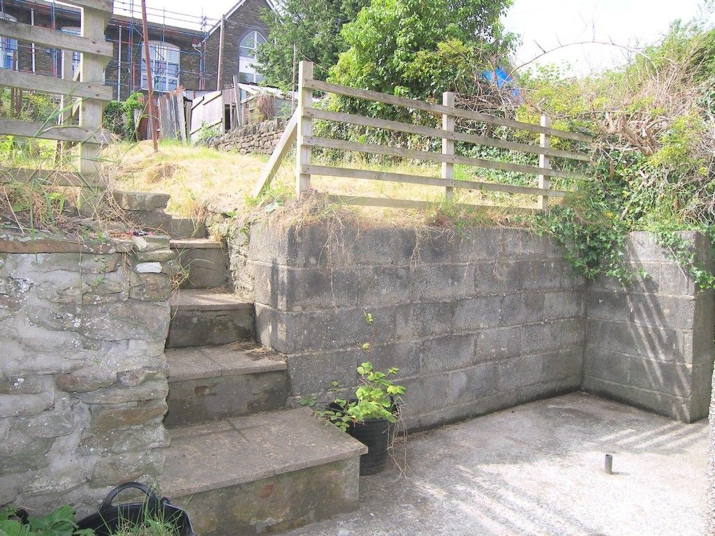 2 bed house for sale in Neath Road, Plasmarl  - Property Image 10