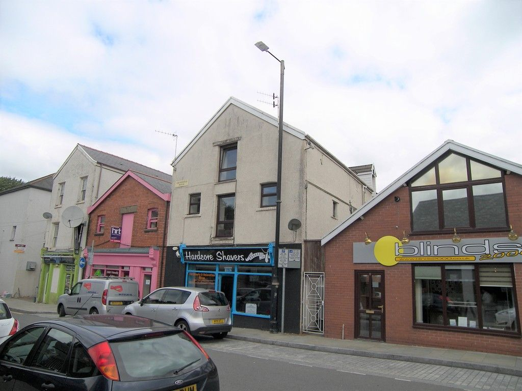 1 bed flat to rent in Croft Road, Neath 1