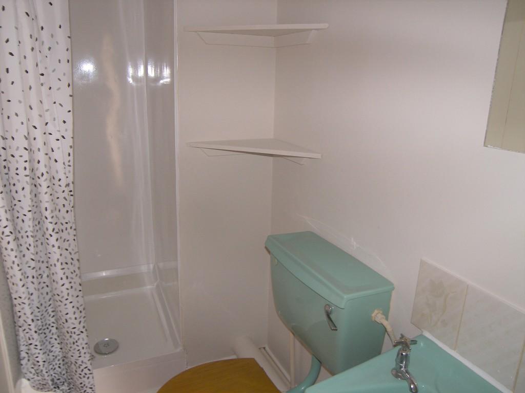1 bed flat to rent in Queen Street, Neath 6