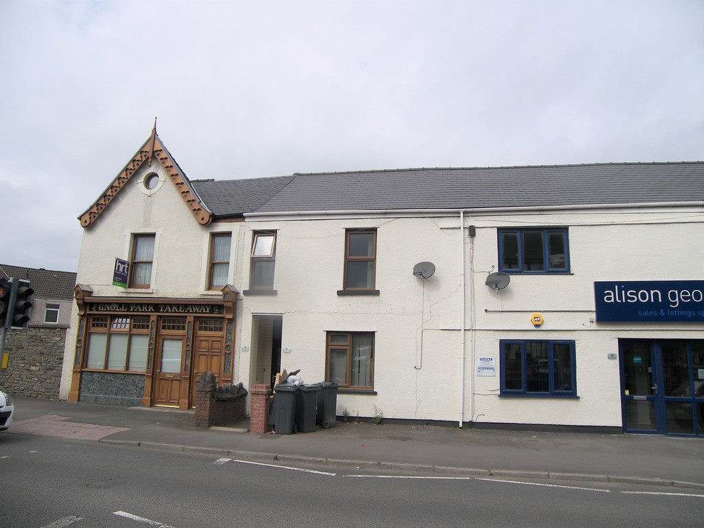 2 bed flat to rent in Gnoll Park Road, Neath, SA11