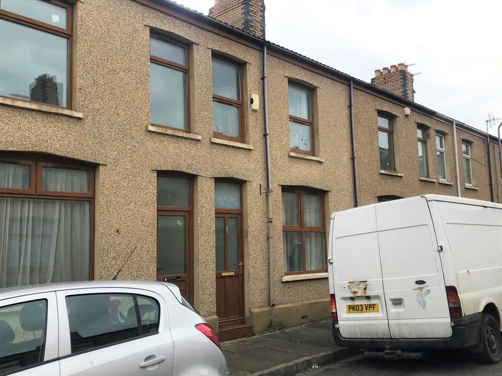 3 bed house to rent in Borough Street, Port Talbot, SA12
