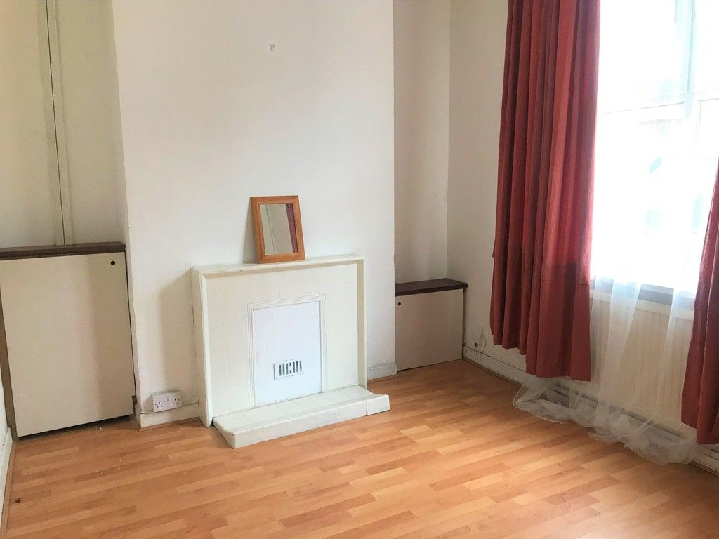 3 bed house to rent in Borough Street, Port Talbot 2