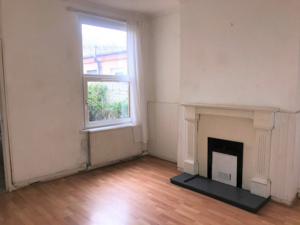 3 bed house to rent in Borough Street, Port Talbot 3