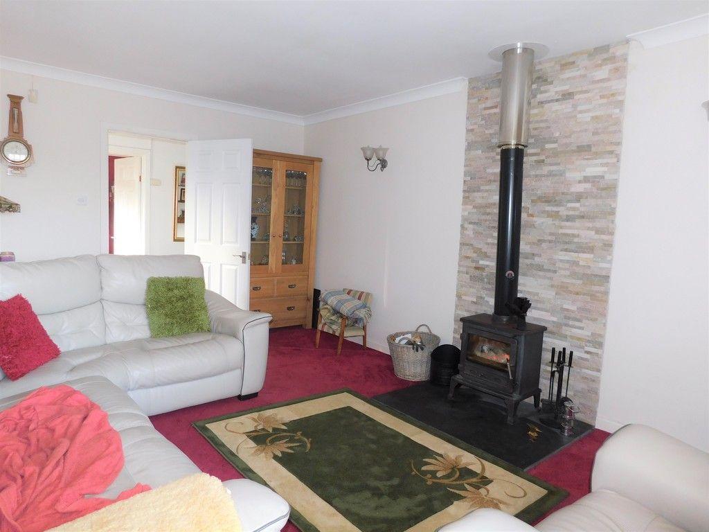 3 bed bungalow for sale in Main Road, Dyffryn Cellwen, Neath 2