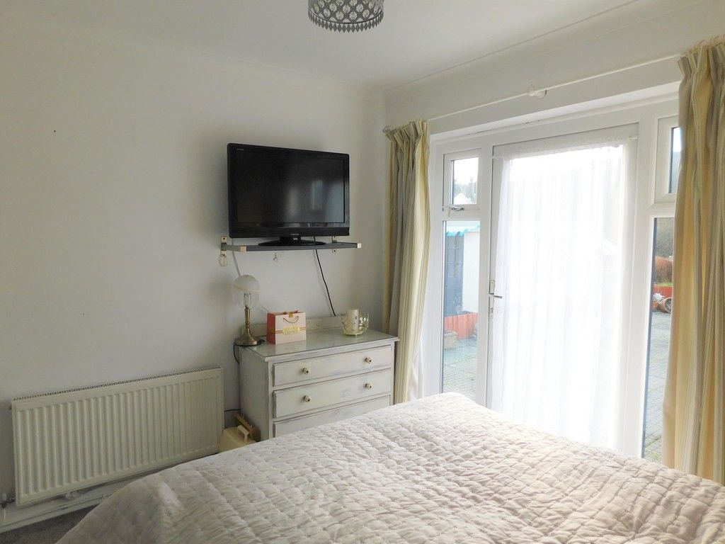 3 bed bungalow for sale in Main Road, Dyffryn Cellwen, Neath 18